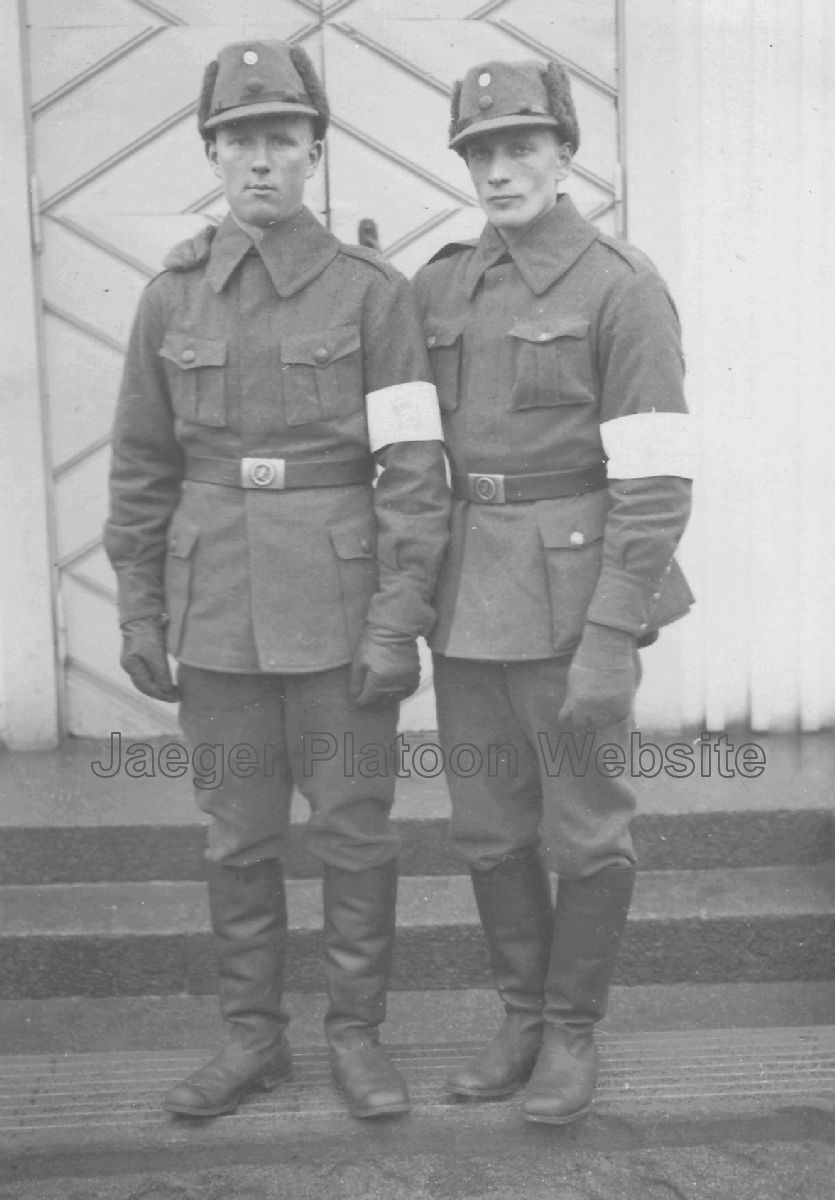 0265edf6839 PICTURE  Rare period photo showing two Privates of Finnish Army in full field  uniform m 27